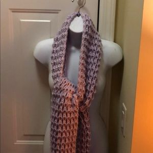 NWT Adorable Soft Knit Universal Thread Scarf